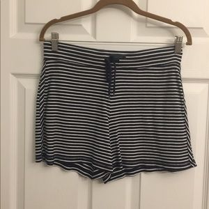 Navy & white cotton knit Talbot's shorts Small